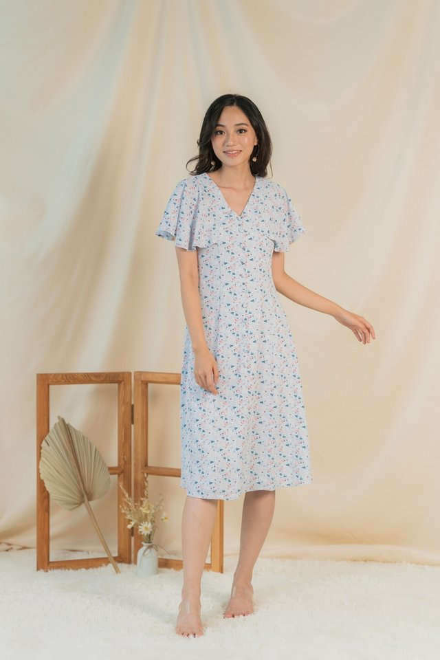 Oaklyn Floral Button Midi Dress in Baby Blue