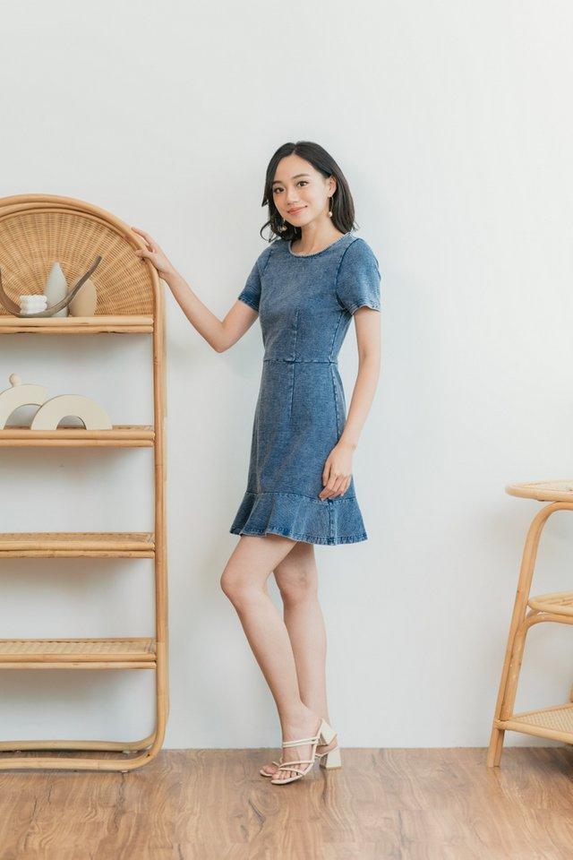 Sherly Ruffled Hem Denim Dress in Mid Wash