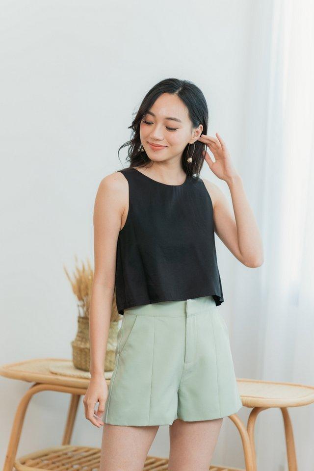 Beverly Pocket Shorts in Sage