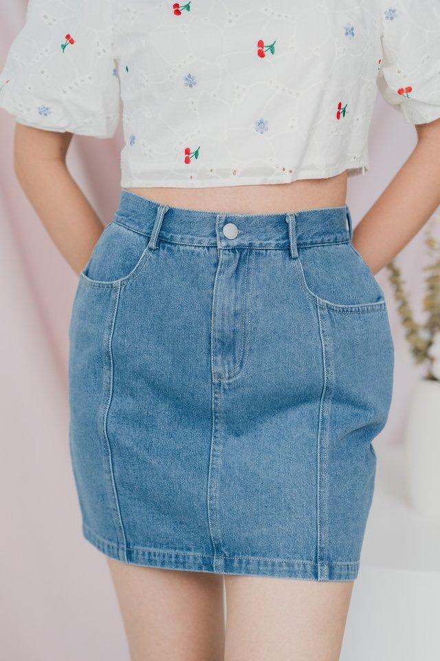 Anita Denim Skirt in Mid Wash