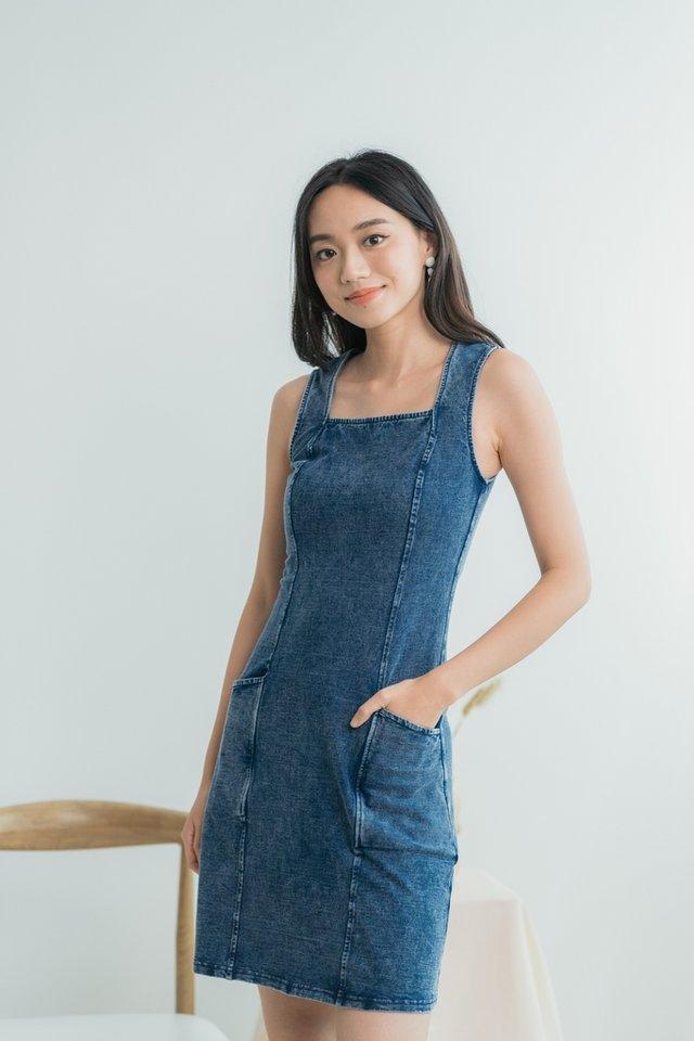 Noemi Denim Square Neck Pocket Dress in Mid Wash